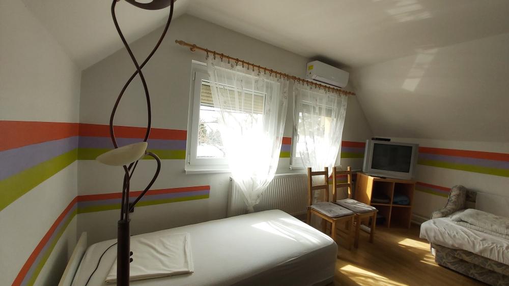 szoba T.3.